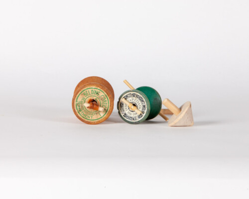 Wooden spinning top set.
